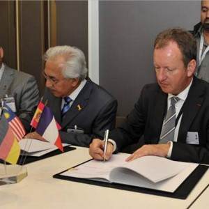 Eurocopter Malaysia signs as anchor tenant for new Helicopter Centre
