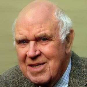 Howard 'Pat' Curtiss Jr., master of helicopter aerodynamics, dies