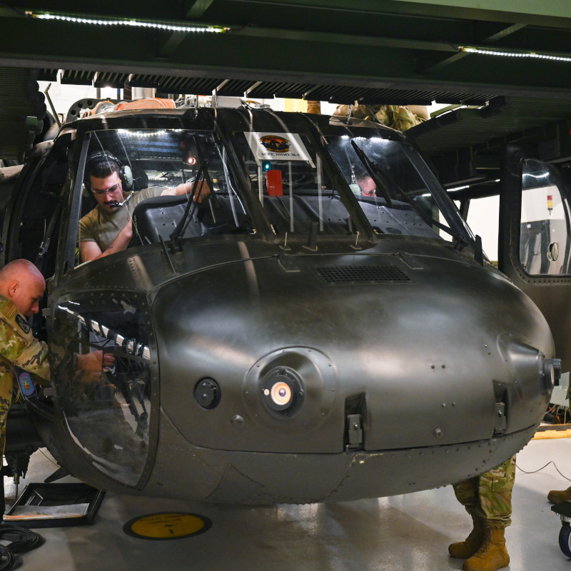 Soldiers and Airmen learn to maintain helicopters