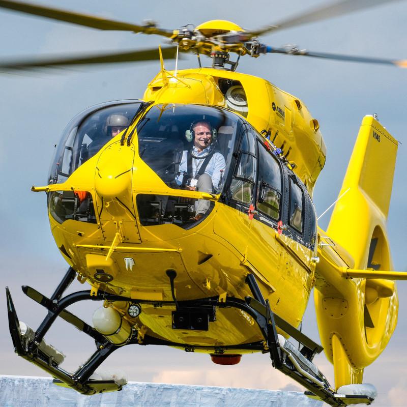 Quark Expeditions unveils immersive Polar Helicopter Program