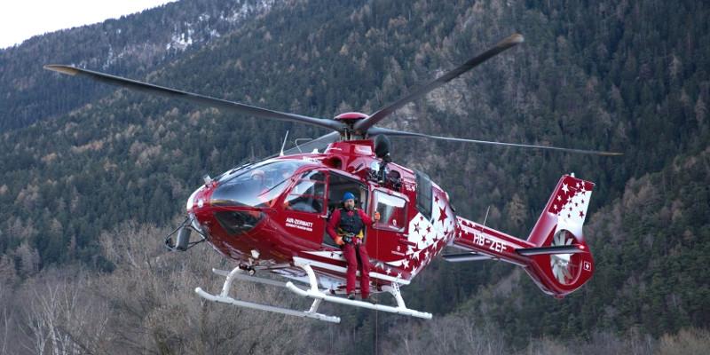 h135-air-zermatt1-2x
