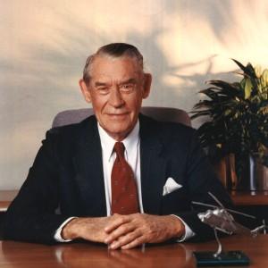 Indusry pioneer Charles H Kaman dies at 91