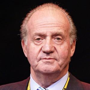 King Juan Carlos I flies in Spanish NH90