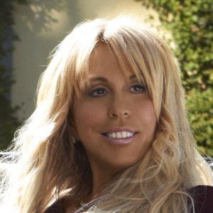 Lynn Tilton loses bid to block SEC fraud case