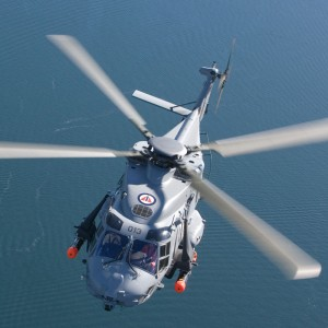 Norwegian Navy tests NH90 helicopter landings on ships in open sea