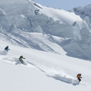 14,000 sign petition to ban heli-skiing in Switzerland